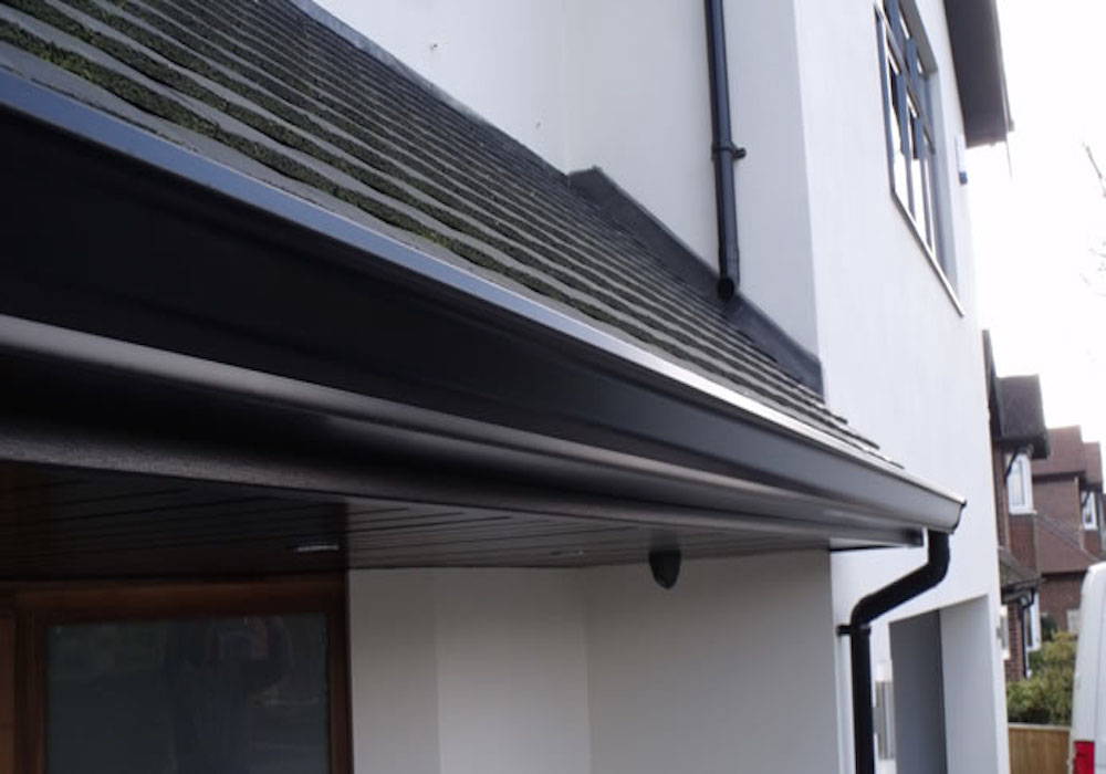 Seamless Aluminium Gutters and Downpipe