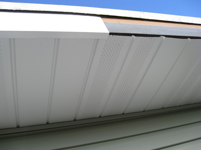 White Aluminium Fascia and Soffit Cladding